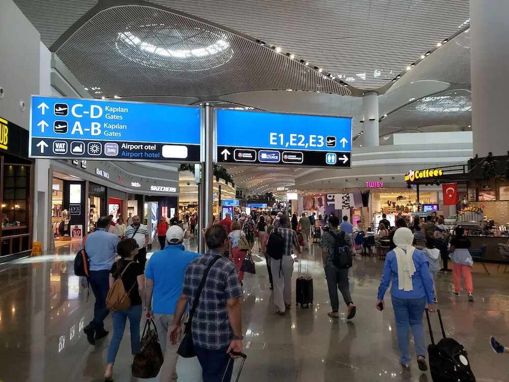Air travel tip #2: Don't expect non-peak crowds on peak days