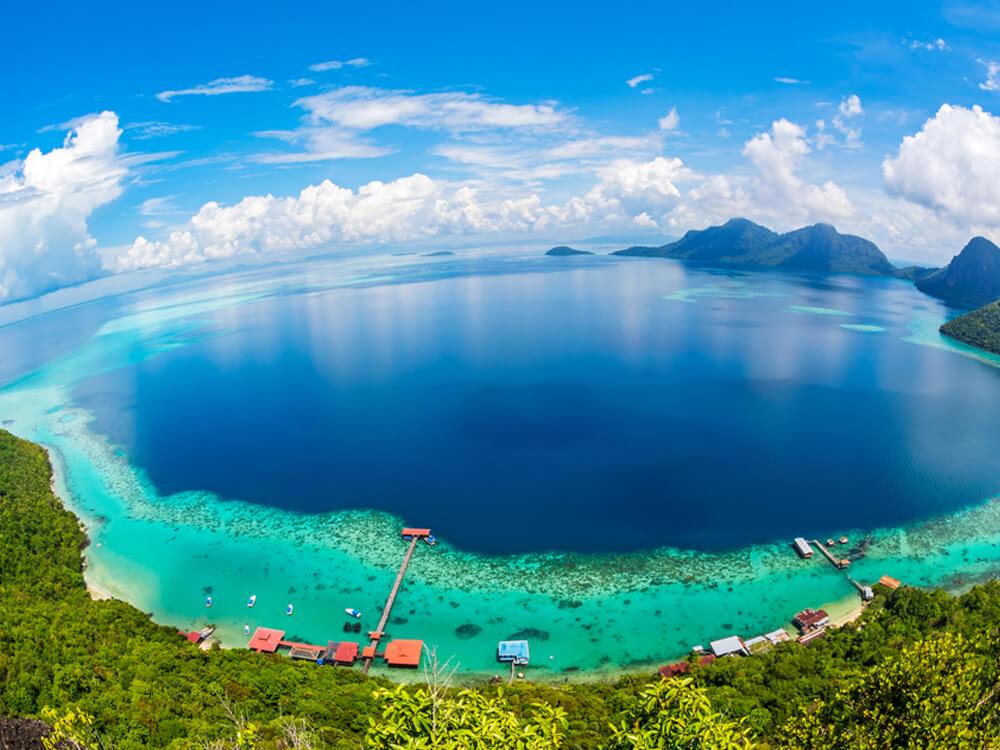 Adventurous honeymoon in Malaysia – Borneo Island