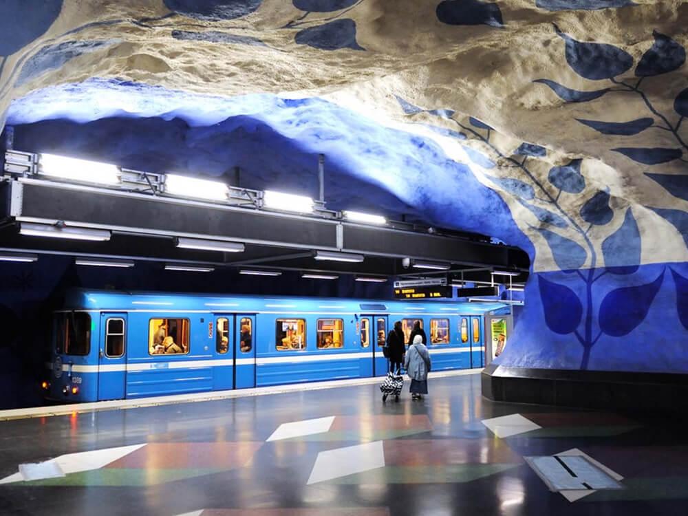 world's longest art gallery