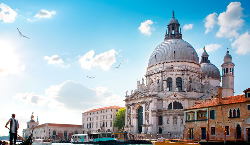 Top 10 Reasons to visit Italy