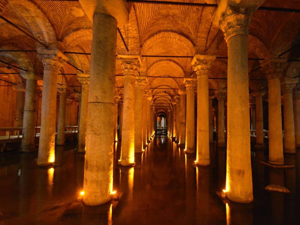 Basilica Cistern (Yerebatan Sarniçi)