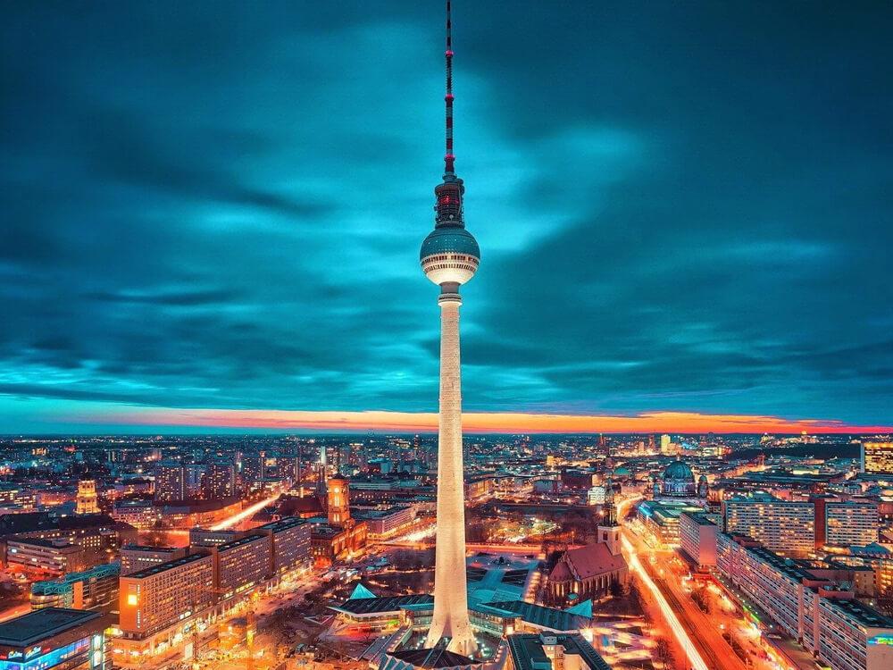 Berliner FernsehturmBerlin's Television Tower