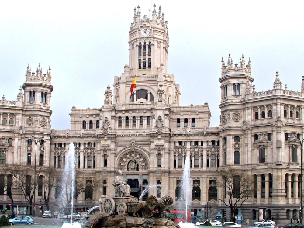 Fuente de Cibeles and Gran Via