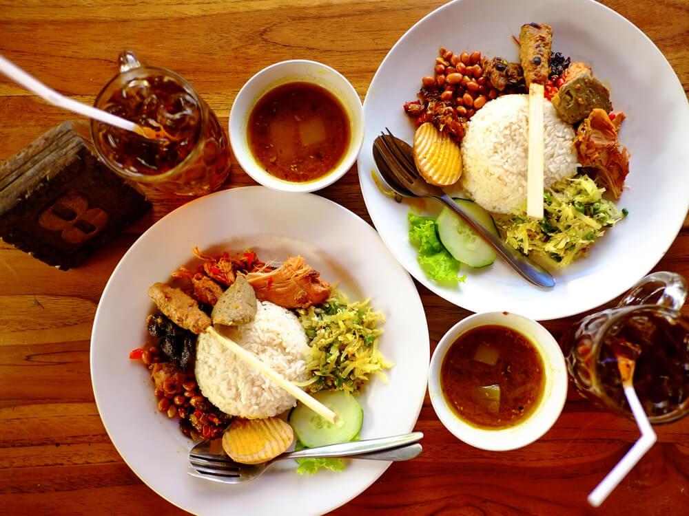 Nasi Ayam Kedewatan Mangku