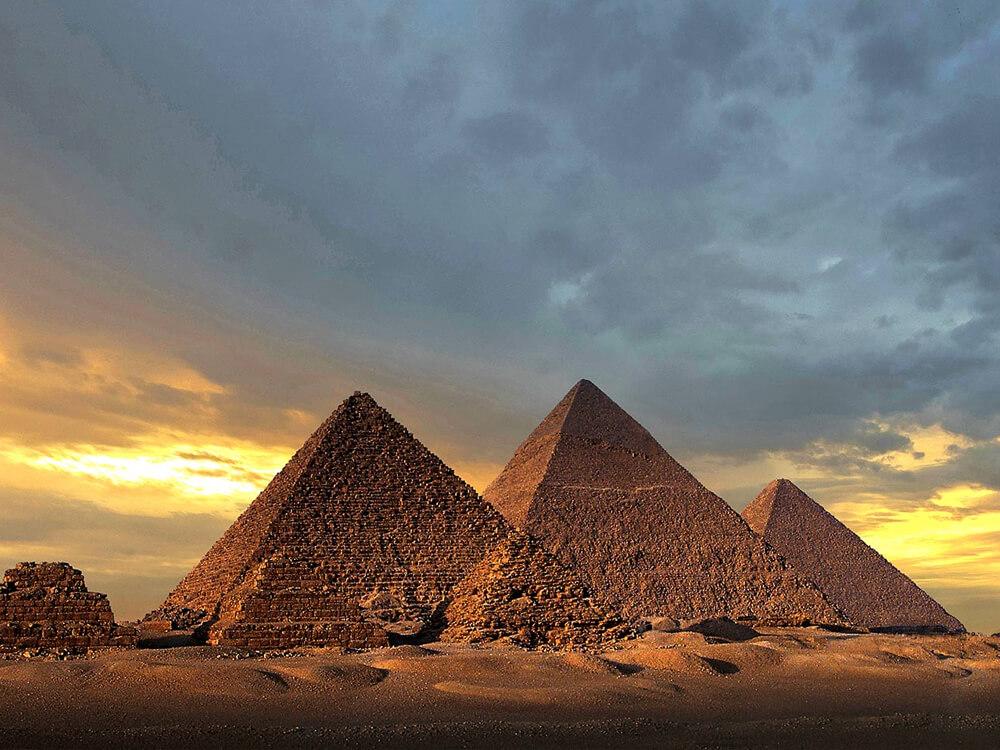 ghiza pyramids