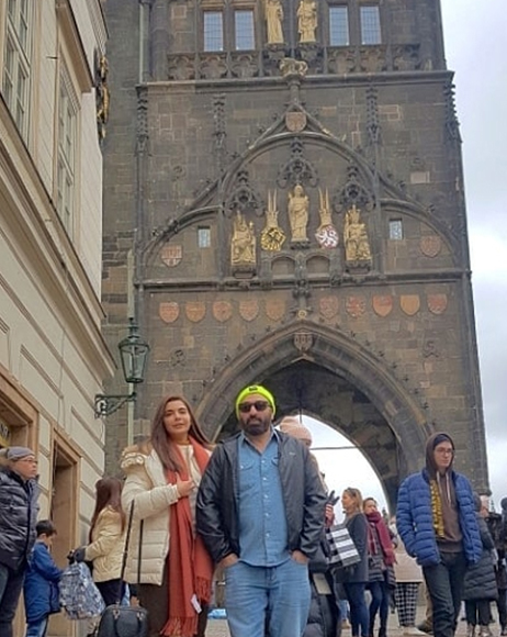 "Good Morning Hos Nida Yasir Spend Vacations with her Hubby in Czech Republic - ""Here's the full story"""