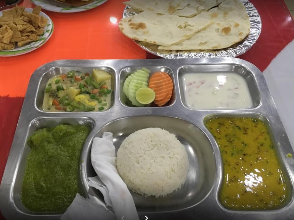 . Mount Everest Halal Restaurant
