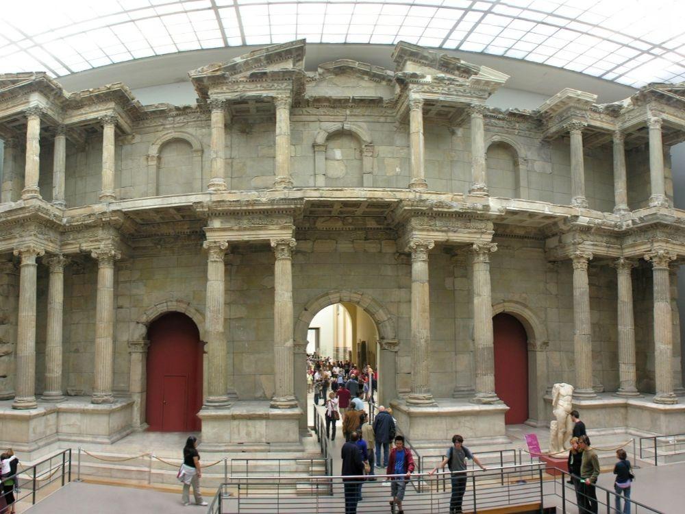 Pergamon Museum Berlin-min