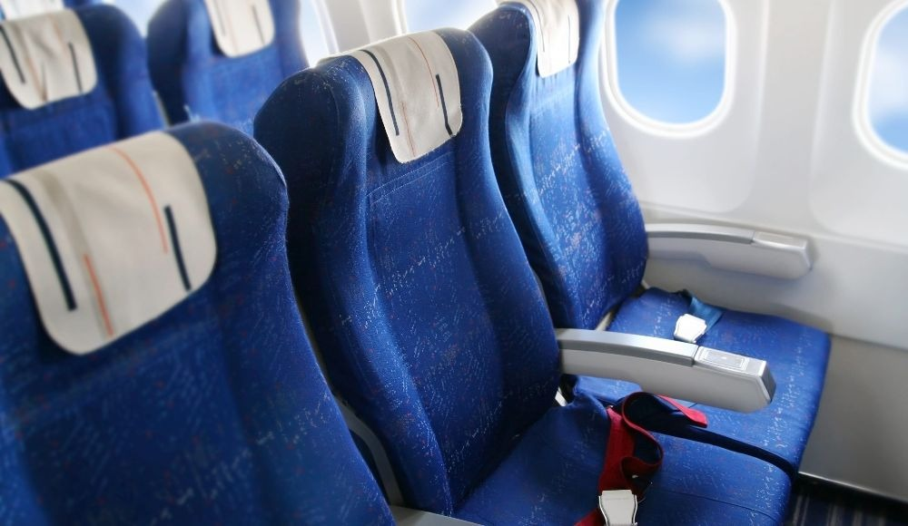 middle seat yugo.pk