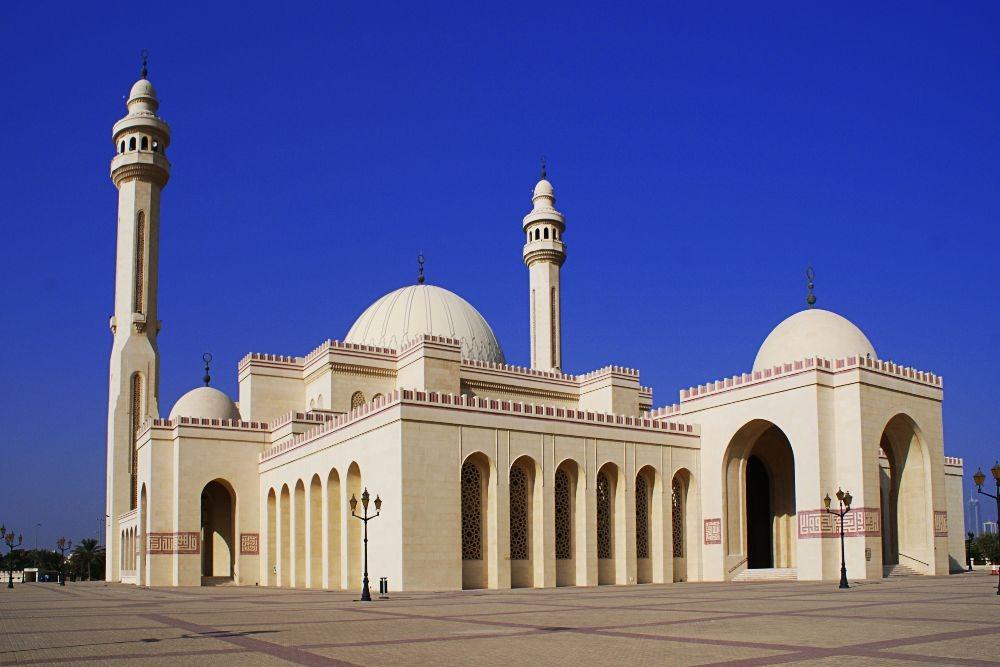 Al Fateh Grand Mosque - yugo.pk